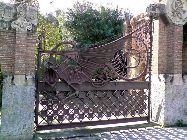 Ворота работы Гауди