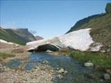 Остатки зимних лавин в Хибинах
