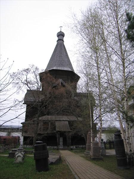 Деревянная шатровая Успенская церковь