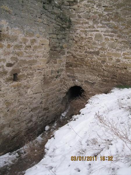 Аккермановская крепость, здесь пришлось пролазить на коленях
