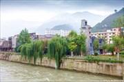 Река Миньцзян в черте г. Weizhou.