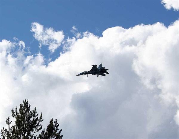 Фото. 54. СУ-27 над оз. Килпъявр.
