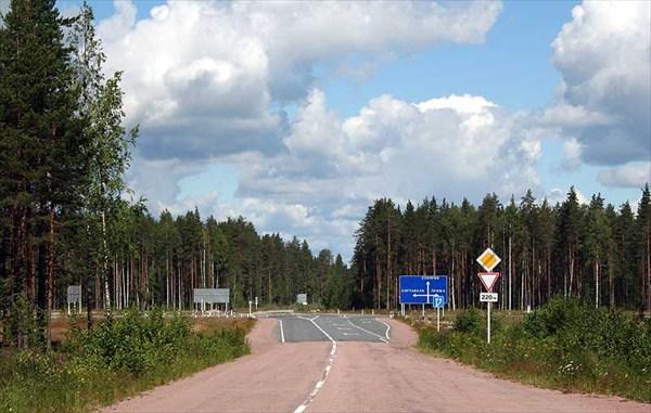 Фото. 97. Знаковый перекресток дорог