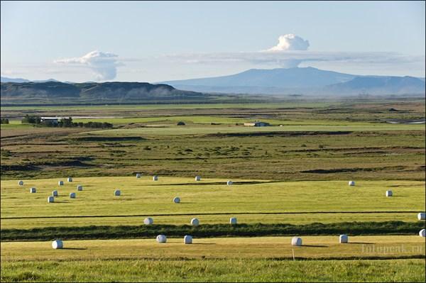 Вид на Эйяфьядлайёкудль (Eyjafjallajokull)