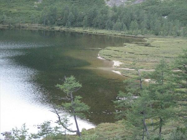 Правая от избы оконечность озера(вид с курумника)