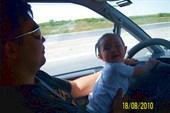 Доча тоже умеет путешествовать на машине