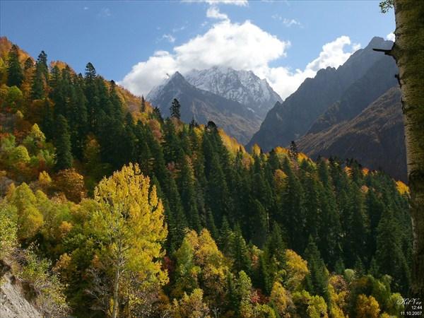 В горах золотая осень