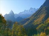 Осенний Домбайский пейзаж