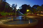 Заменивший его фонтан Парусник