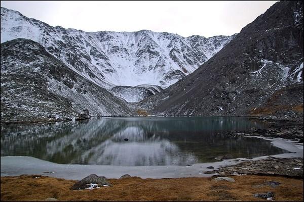 Безымянное озеро под вершиной Талдуайр 3505м