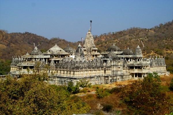 Крупнейший храмовый комплекс Ранакпур