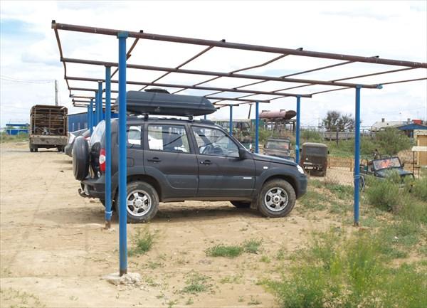 Автостоянка для туристов на окраине поселка Нижний Баскунчак
