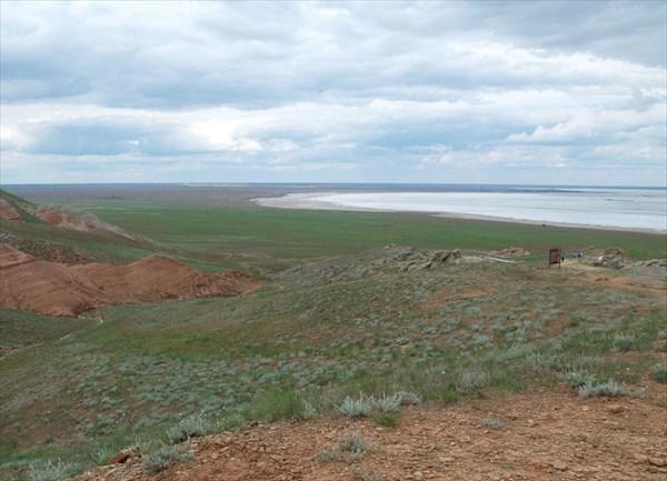 Вид на озеро Баскунчак со смотровой площадки - 1