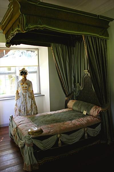 055-Кровать