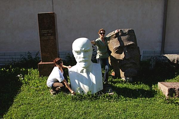 236-Памятники