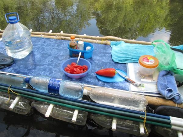 Снова обед на воде