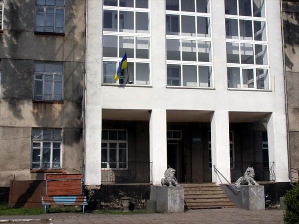 Имение Потоцких - сейчас там санаторий