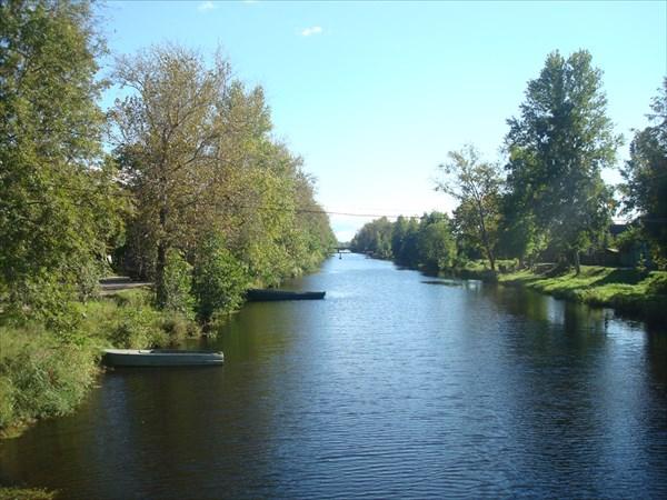 Староладожский канал в Новой Ладоге