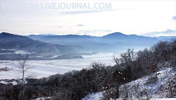 Пейзаж  с видом на горы
