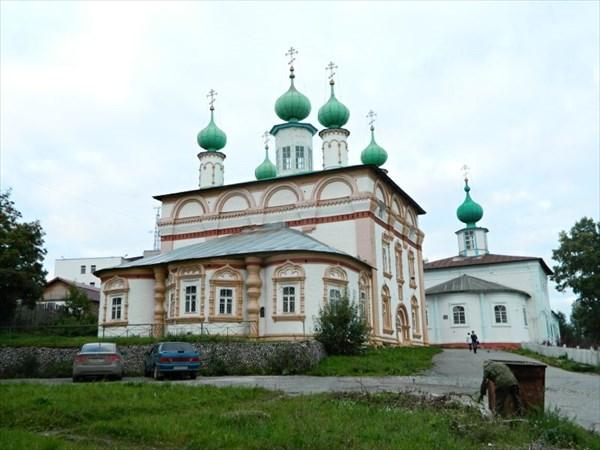 Церкви Спаса Нерукотворного образа и Михаила Архангела.