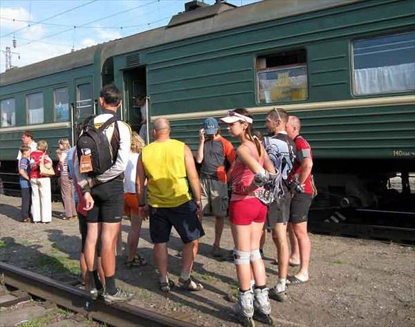 Фото. 92. Финал: посадке в вагон «Абакан-Томск»
