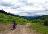 Фото. 19. Спуск с пер. 880 м по урочищу Усть-Веселый