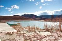 Озеро перед храмом