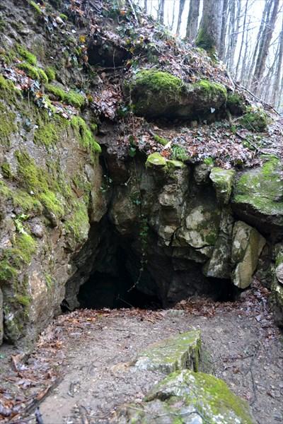 Кошачья пещера (вход)
