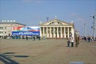 На Октябрьской площади Минска