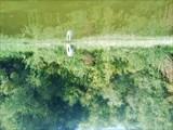 Отражение колеса в воде