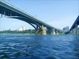 Между мостами