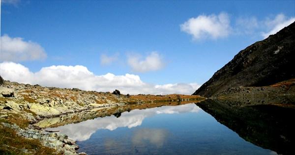 Высокогорное озеро.Теректинский хребет.
