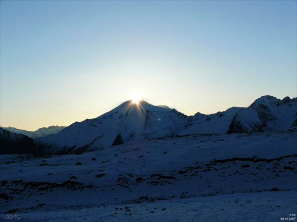 Восход солнца над Эльбрусом