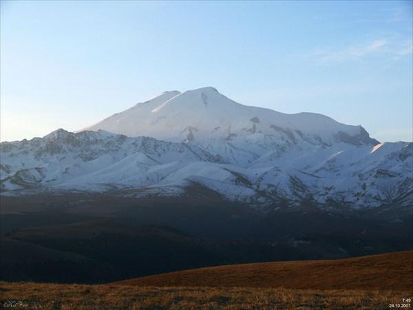 Эльбрус на восходе солнца