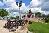 Стихийная парковка велосипедов