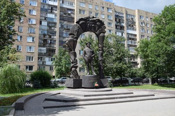 Памятник основателю ВДВ - В.Ф.Маргелову