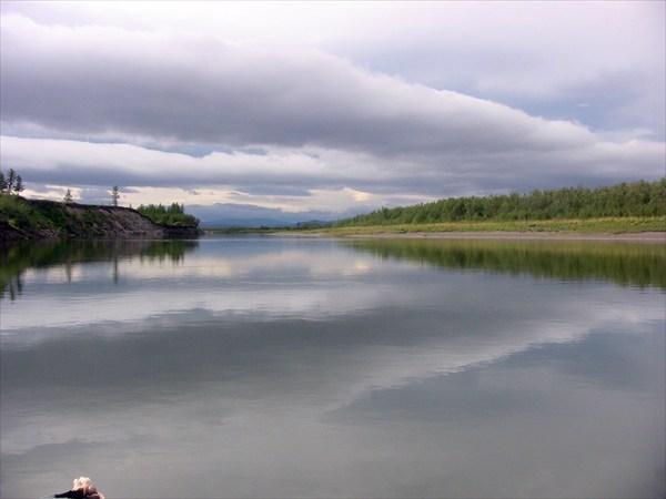 Перед факторией Лаборовой река становится равнинной.