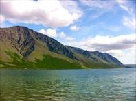 Вид из северной оконечности озера.