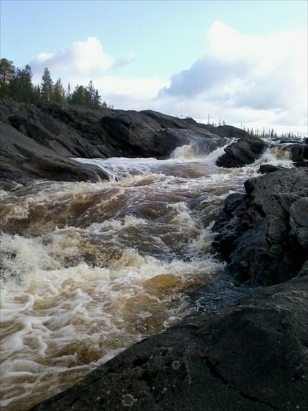 на фото: Водопад Черная Дыра
