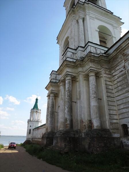 Спасо-Яковлевский монастырь осн. 1389 Надвратная колокольня