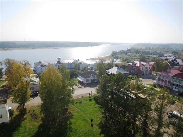 Вид на Мышкин с колокольни Успенского собора Мышкин