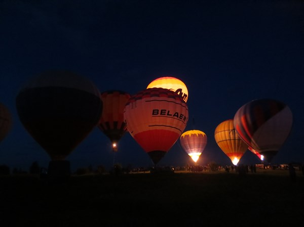Переславль-Залесский, ночное свечение аэростатов