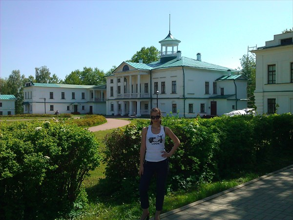 на фото: Усадьба Некрасова, нач. 19 в.