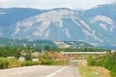 Окрестности города Оранж. На горизонте Ронские Альпы