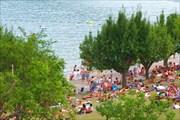 Ронские Альпы. Озеро Серре-Понкон. Пляж