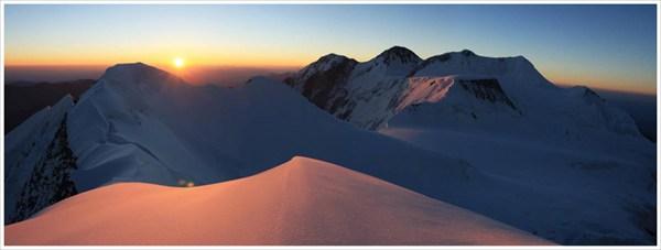 Утренняя панорама Белухи