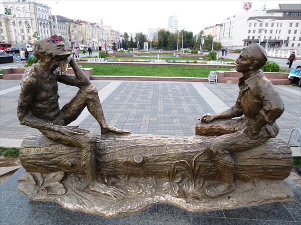 Скульптура «Загадки Шурале» (Казань)