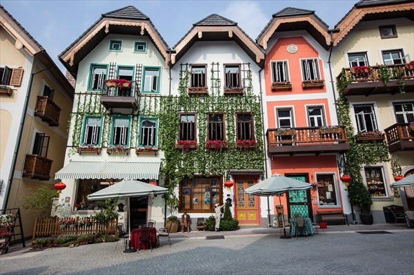 The new Hallstatt in Guangdong is now the centerpiece of a massi
