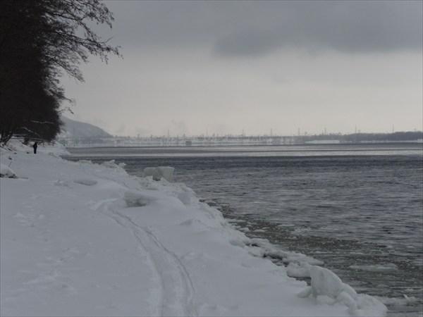 Впереди ГЭС