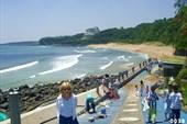 Пляж у гостиницы Хайят